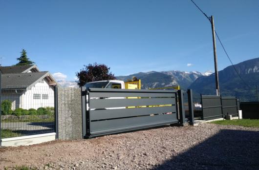 Installation d'un portail coulissant à Thyez